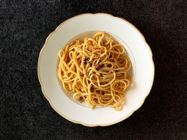 Pasta mit Paniermehl und Sardellen